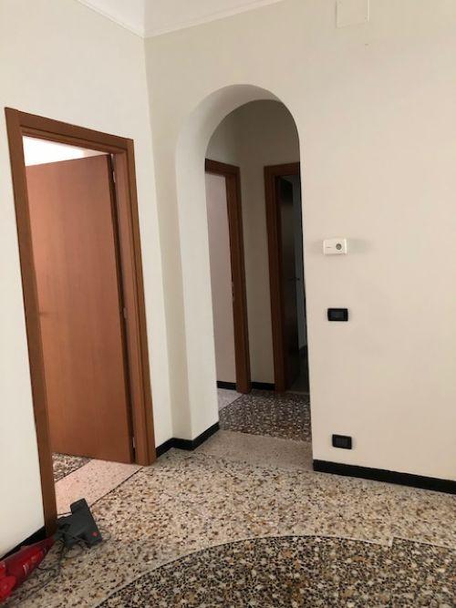 Affitto Ufficio via Montenotte